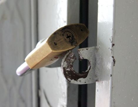 Khóa cửa chống trộm giá bao nhiêu?