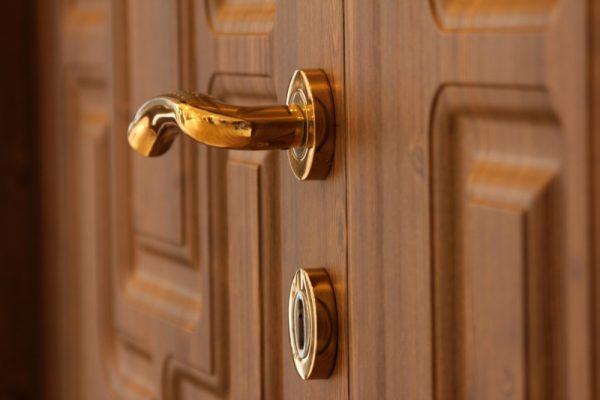 Tiêu chí lựa chọn ổ khóa cửa gỗ an toàn và bền đẹp